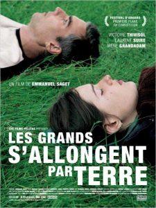 """Affiche du film """"Les Grands S'Allongent Par Terre"""""""